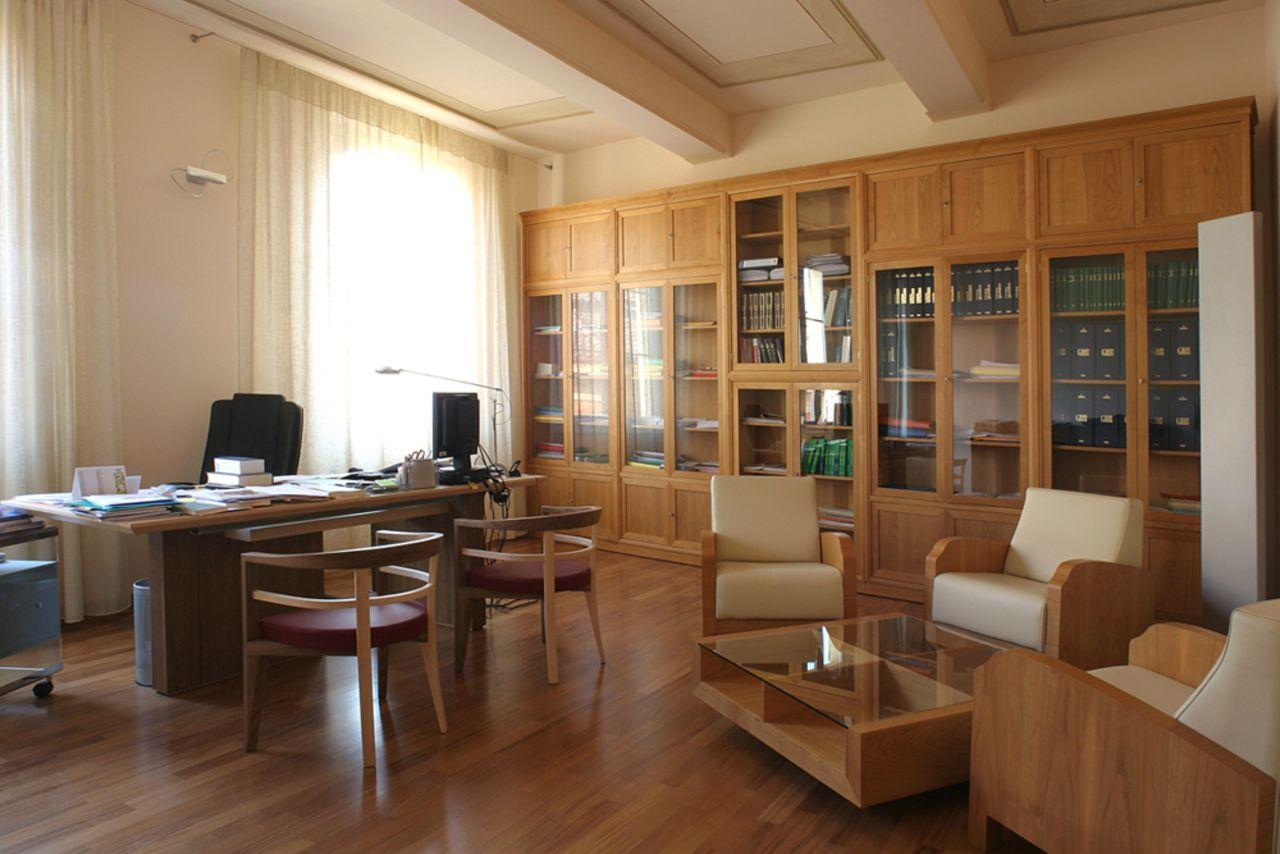 Berlinghieri arredamenti contract office for Mobili studio legale